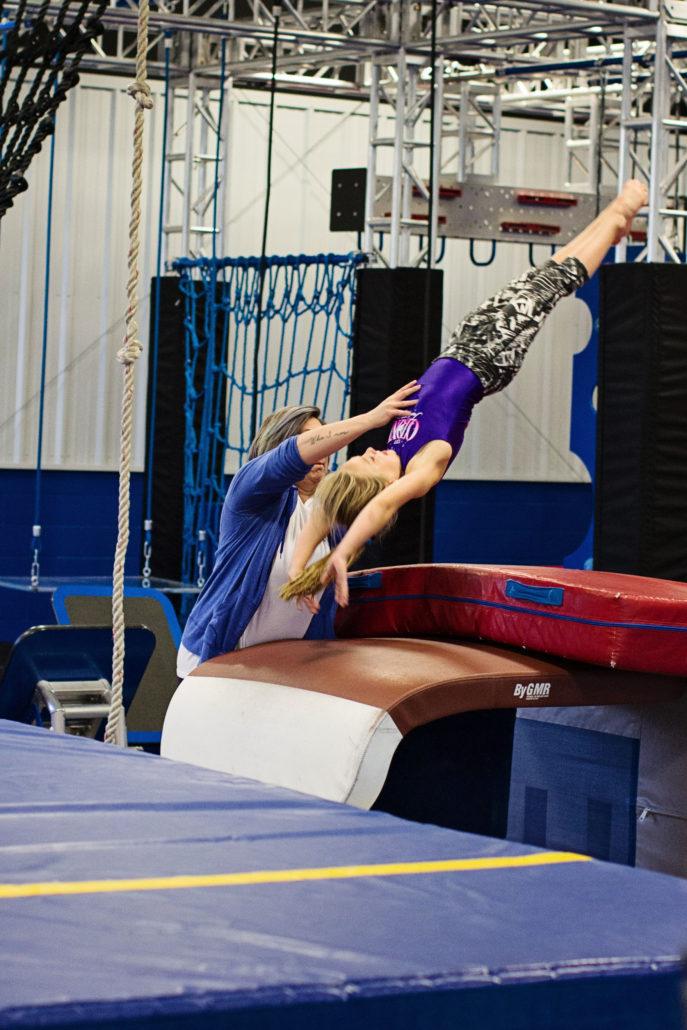 Упражнения в спортзале на пресс для женщин